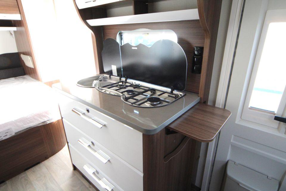 hymer eriba exciting 470 als pickup camper in naumburg bei. Black Bedroom Furniture Sets. Home Design Ideas